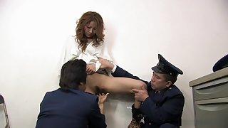 Momomi Sawajiri Fucked With Fingers At The Police Station