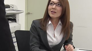 Appendage tired be required of office work Japanese lady Mao Saitou plays with regard to the brush shaved pussy